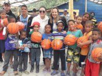 Huellas de Ocoa lleva felicidad a niños de escasos recursos económicos