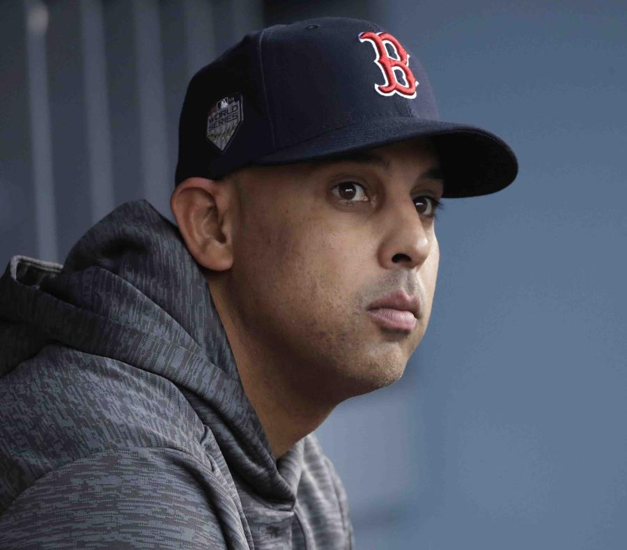 Medias Rojas de Boston aún no tiene al sustituto de Alex Cora