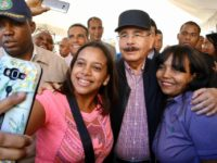 La Romana: Danilo Medina dispone donación 30 embarcaciones y camión refrigerado; modernizarán pesca