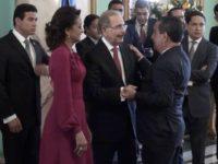 Presidente recibe saludos de Año Nuevo en el Palacio Nacional