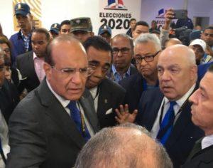 JCE suspende las elecciones ante fracaso del voto automatizado