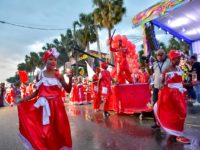 Miles acuden al Carnaval Santo Domingo 2020
